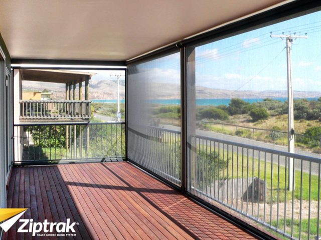https://www.westcoastblindswa.com/wp-content/uploads/2020/02/ziptrak-blinds-outdoor-cafe-blinds-640x480.jpg